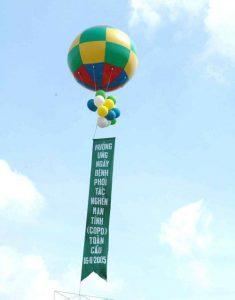 khí cầu màu đan xen
